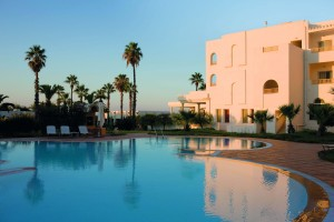 Aldiana Tunesien Pool abends klein